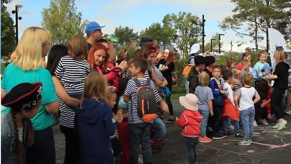В Кронштадте прошел грандиозный фестиваль «Российской тельняшки»