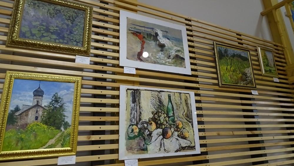 Выставка Татьяны Бароновой «Застывшие моменты, ожившие краски»