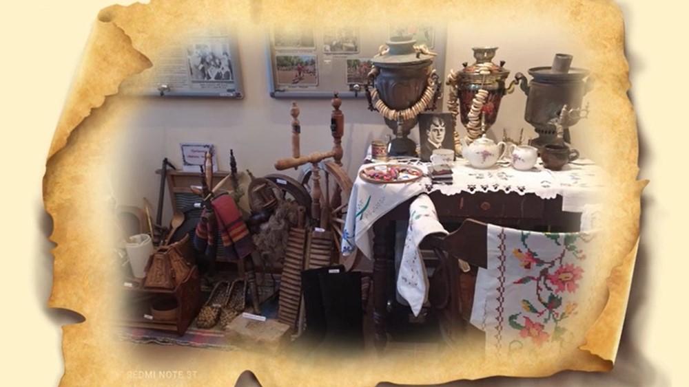 Выставка «Мир забытых вещей» в библиотеке поселка Песочный