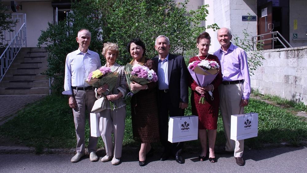 В Сестрорецке поздравили семейные пары с юбилеем совместной жизни