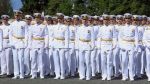 Торжественный выпуск Кронштадтского морского кадетского корпуса на Якорной площади Кронштадта