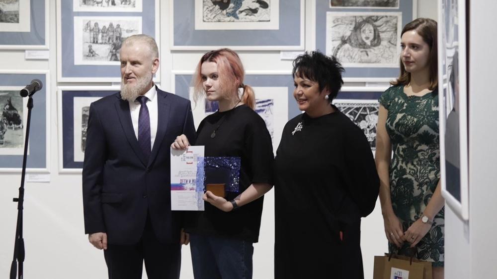 В Кронштадте открылась выставка победителей Международной биеннале «Дети и море»
