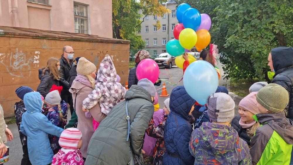 На открытой площадке ДДТ «Град чудес» прошел детский праздник