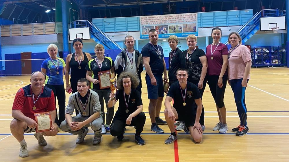 Трудовые коллективы Кронштадта приняли участие в соревнованиях по бадминтону