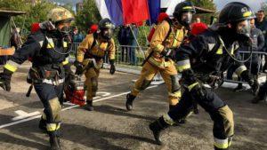 Звено спасателей из Кронштадта стало лучшим на соревнованиях газодымозащитной службы