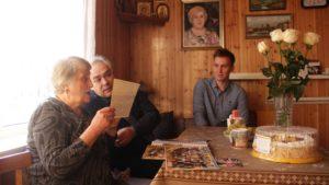 Волонтеры Курортного района навестили свою первую учительницу