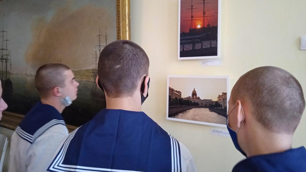 В Итальянском дворце открылась выставка «Петербург в фотографиях. Городская сказка»
