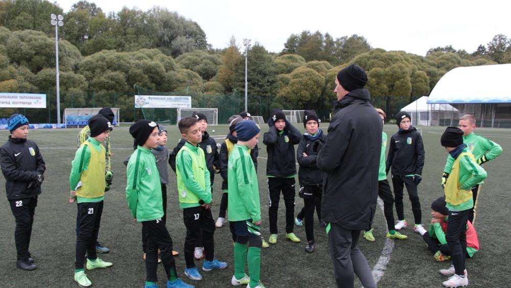 Футбольный класс сестрорецкой школы демонстрирует спортивные успехи