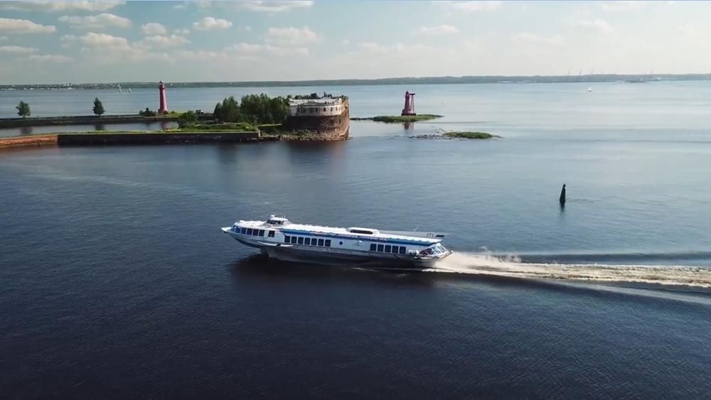 Более 23 тысяч гостей прибыли в парк «Остров фортов» на «Метеорах»