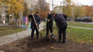 Посадка рябиновой аллеи в Сестрорецке в честь 103-й годовщины уголовного розыска МВД России
