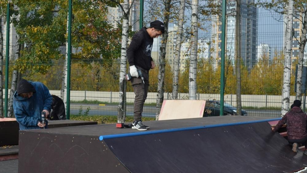 На Школьной улице готовится открытие сквера со скейт-площадкой