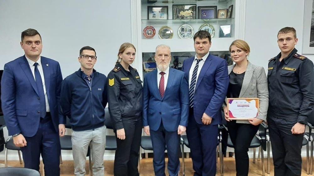 Глава администрации Кронштадтского района встретился с Молодежным советом
