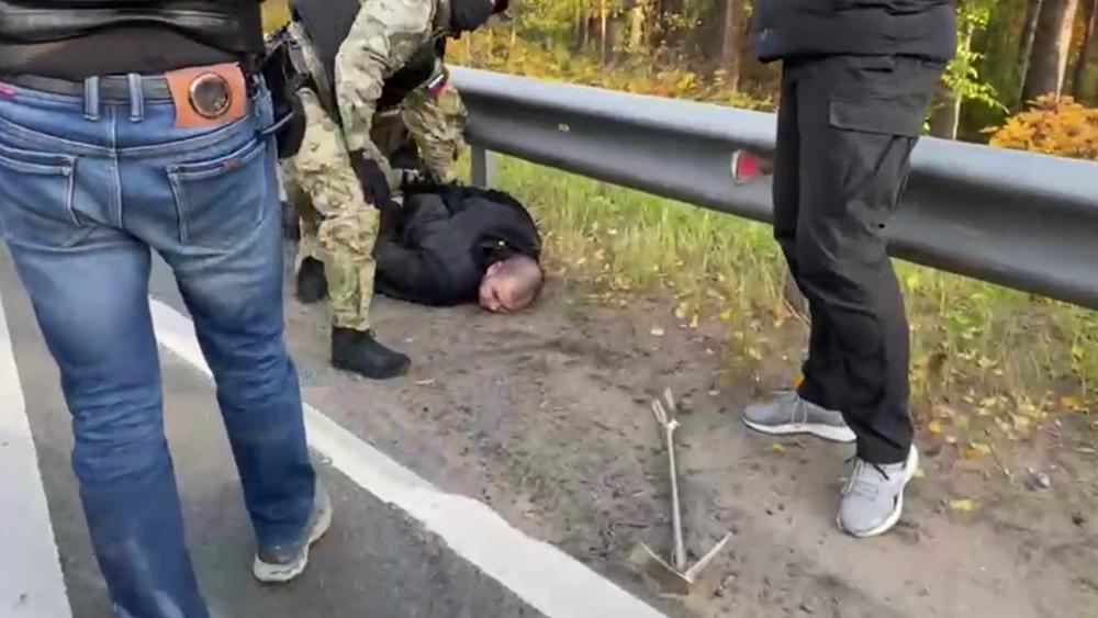 Двое жителей Сестрорецка задержаны за распространение наркотиков